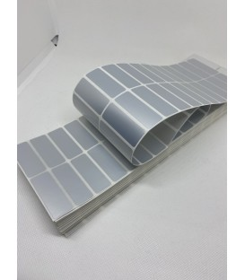 Paquete 18 Millares Etiquetas Poliester Plata Mate Para Iluminación 48 x 17 mm Plegadas Zig-Zag